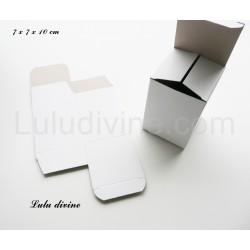 Boite / emballage de carton blanc (taille 7x7x10)