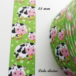 Ruban vert Vache blanche & taches noires de 22 mm