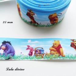 Ruban fond ciel & fleurs Winnie l'ourson & ses amis de 25 mm