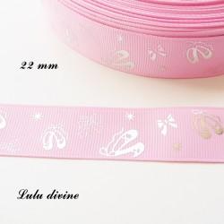 Ruban rose clair avec Ballerine effet brillant de 22 mm