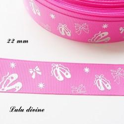 Ruban rose avec Ballerine effet brillant de 22 mm