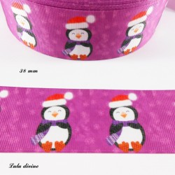 Ruban violet Pingouin avec un Bonnet de père noël de 38 mm