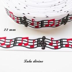 Ruban gros grain blanc Portée noir Clé de sol & Note rouge de 22 mm