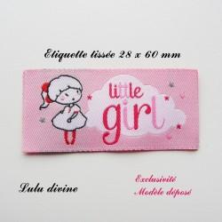 Étiquette tissée : Little girl (rose Nuage Petite fille)