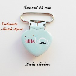 Pince coeur 25 mm : Little boy (bleue Moustache)